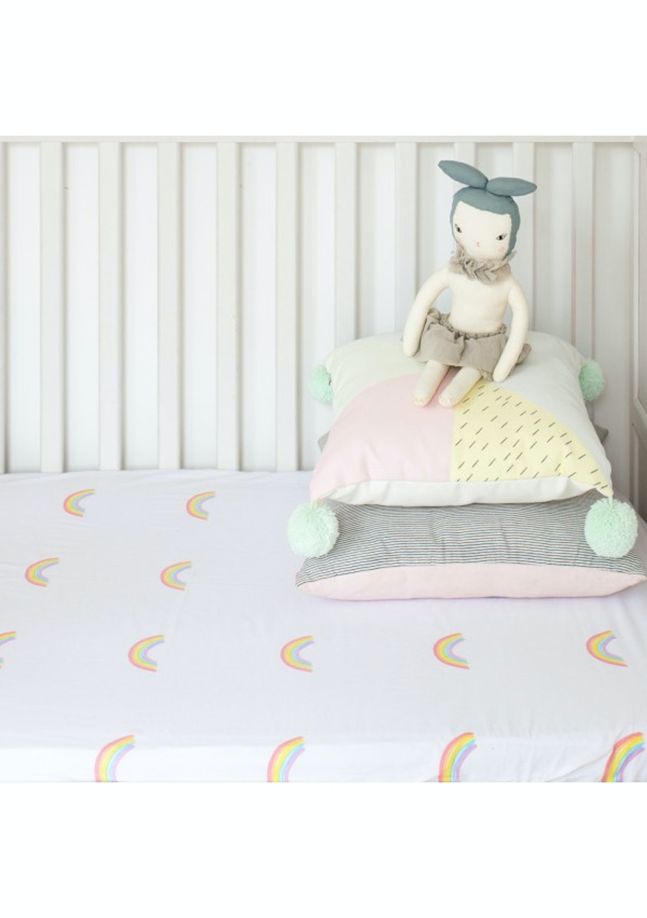 White Fox & Co - Pastel Rainbow Fitted Cot Sheet