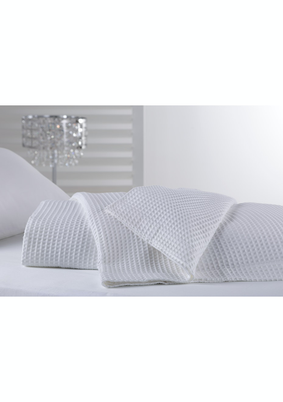 Regatta Cotton Blanket - White - Queen Bed