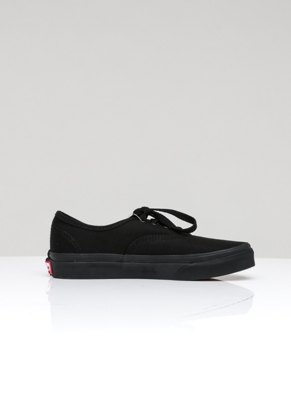 VANS - KIDS AUTHENTIC JR S216 - Black/Black