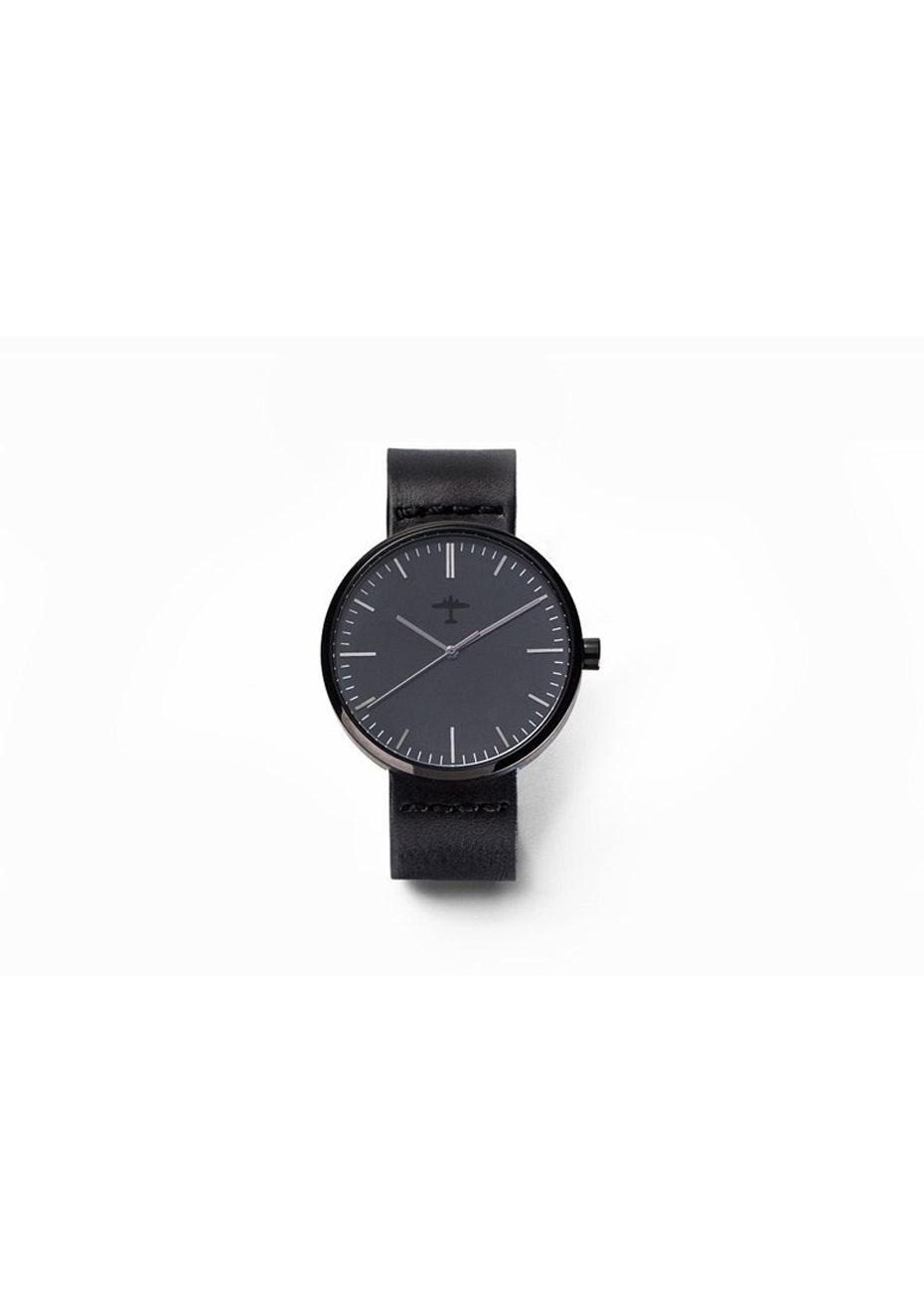 Under The Sun - 60Sq - Black + Black Leather