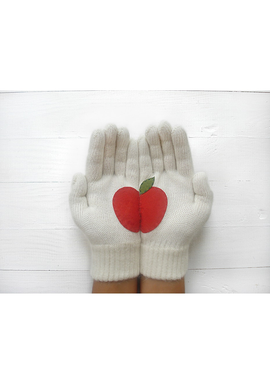 Apple Gloves - Cream