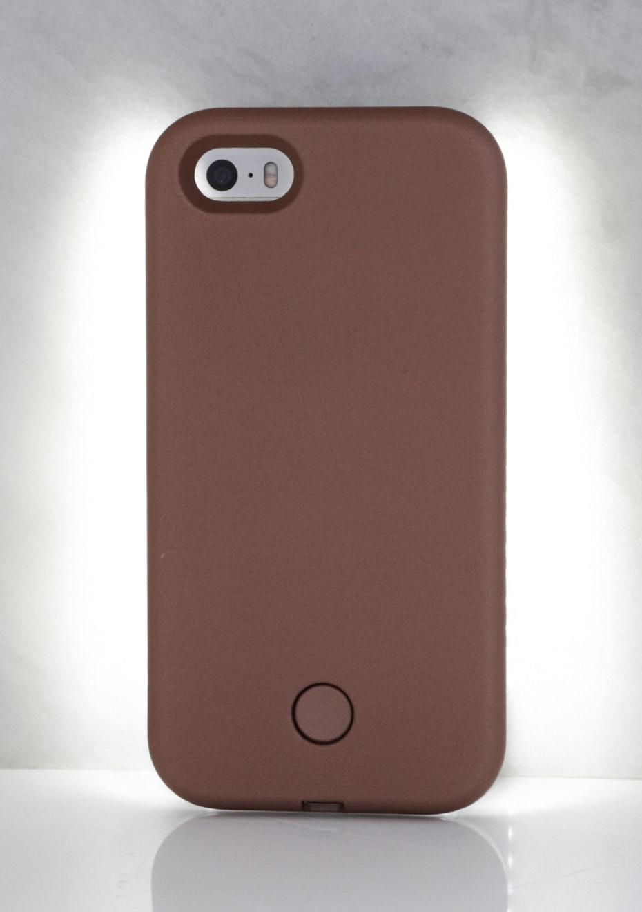 IPHONE 6 PLUS LIGHT CASE - Metallic Nude