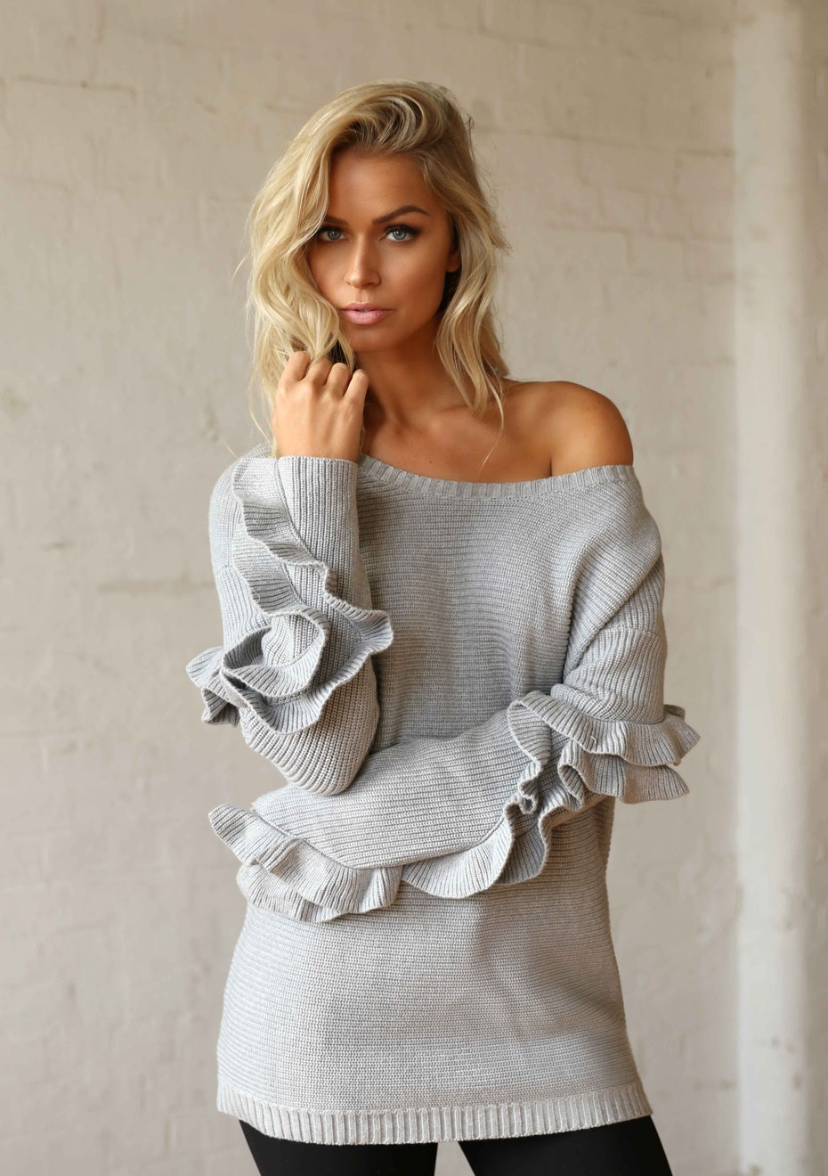 Madison - HADID RUFFLE KNIT - GREY