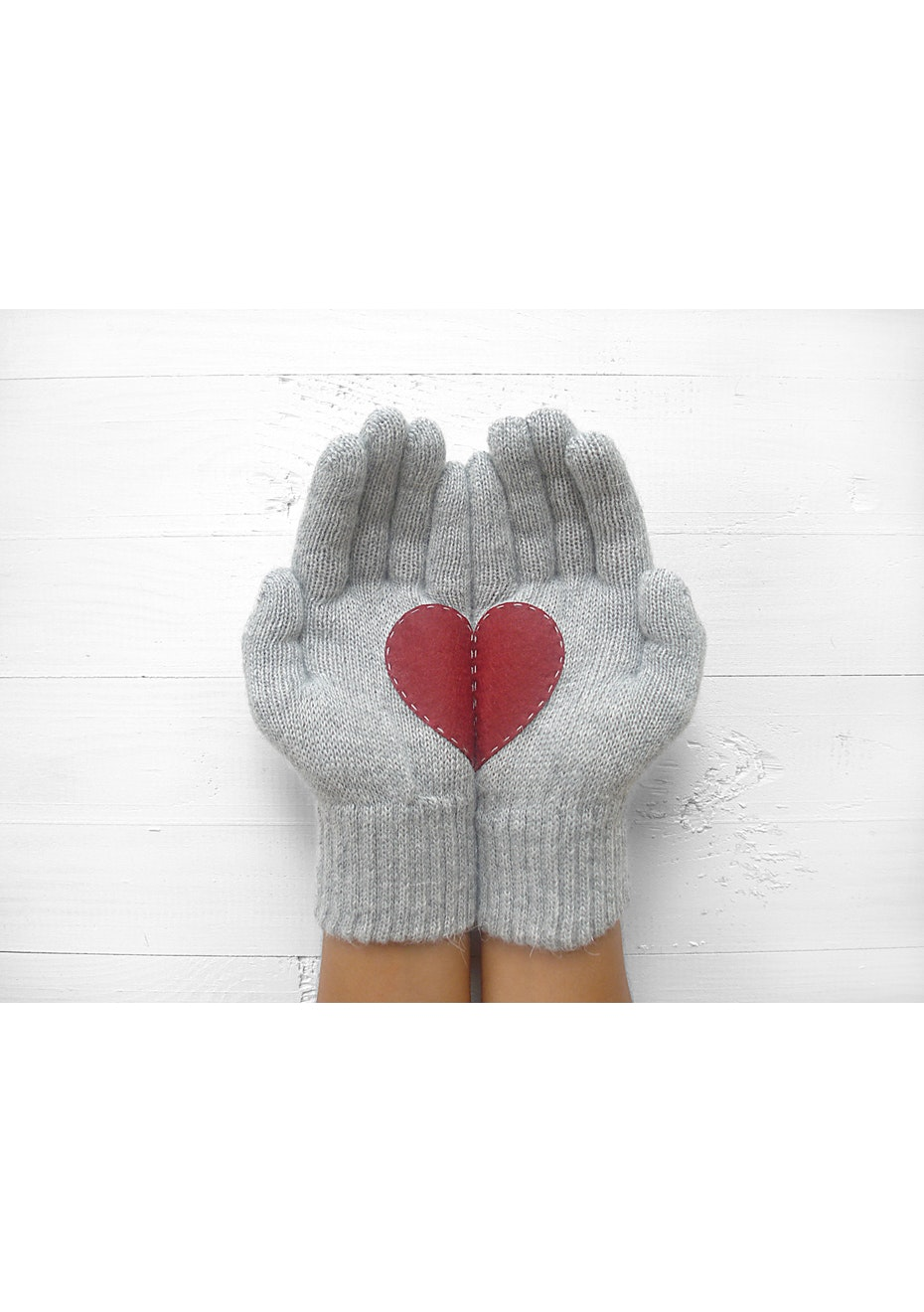 Heart Gloves - Grey/Deep Red