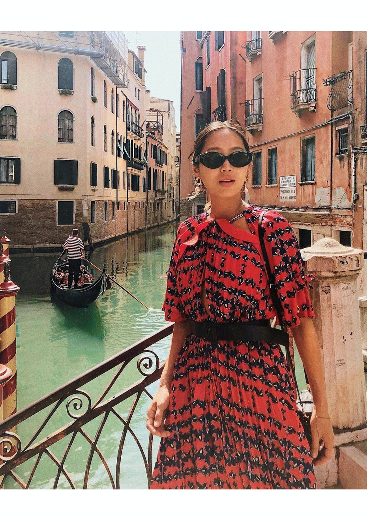 cecc151828 Quay Australia - See Me Smile - Black   Smoke Lens - The Sunglasses  Warehouse - Onceit