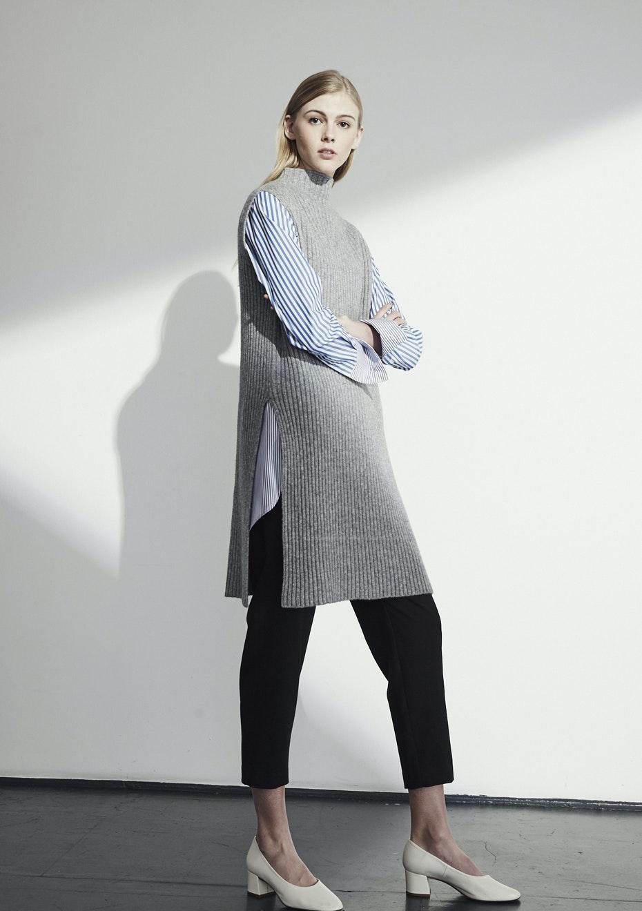 Achro - Sleeveless Ribbed Tunic - Gray