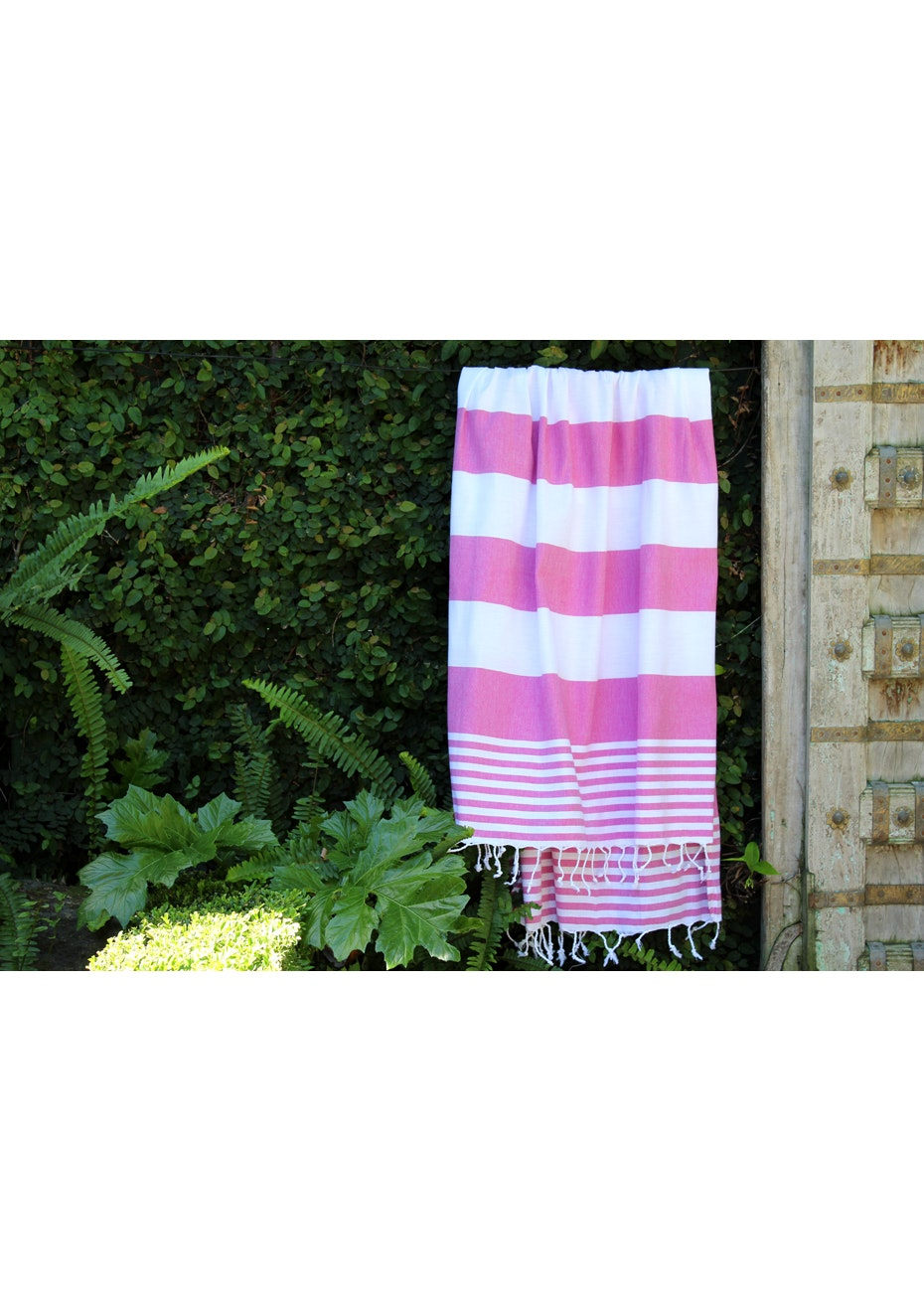 Ladon Fuschia Turkish Towel