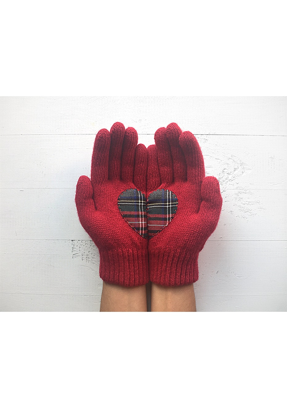 Heart Gloves - Deep Red/Plaid
