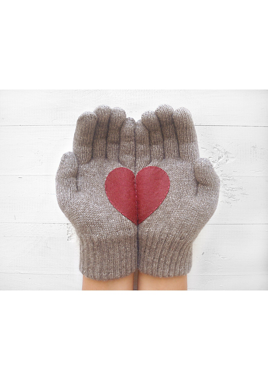 Heart Gloves - Fawn/Deep Red