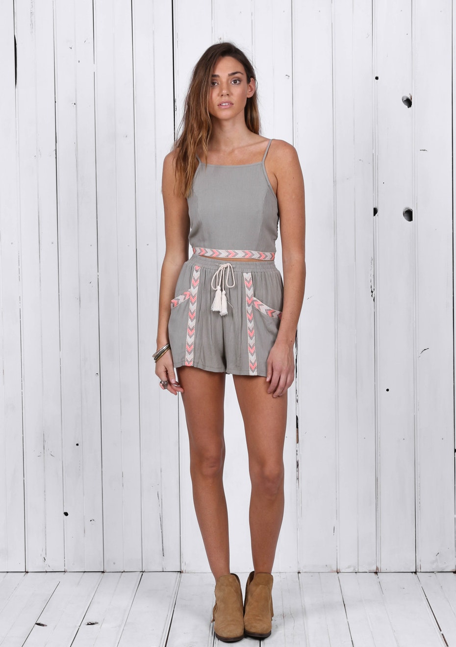 Madison - POCAHONTAS SHORTS - KHAKI