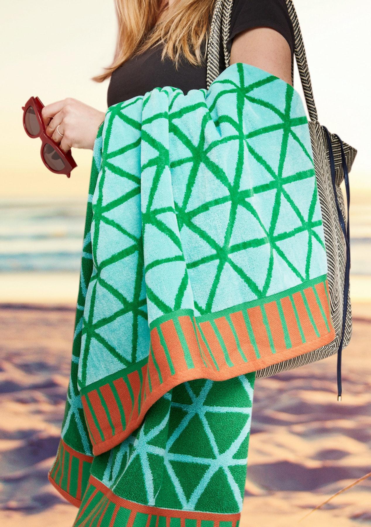 Vintage Design - Flip Flop Green Beach Towel 100cm x 180cm ...