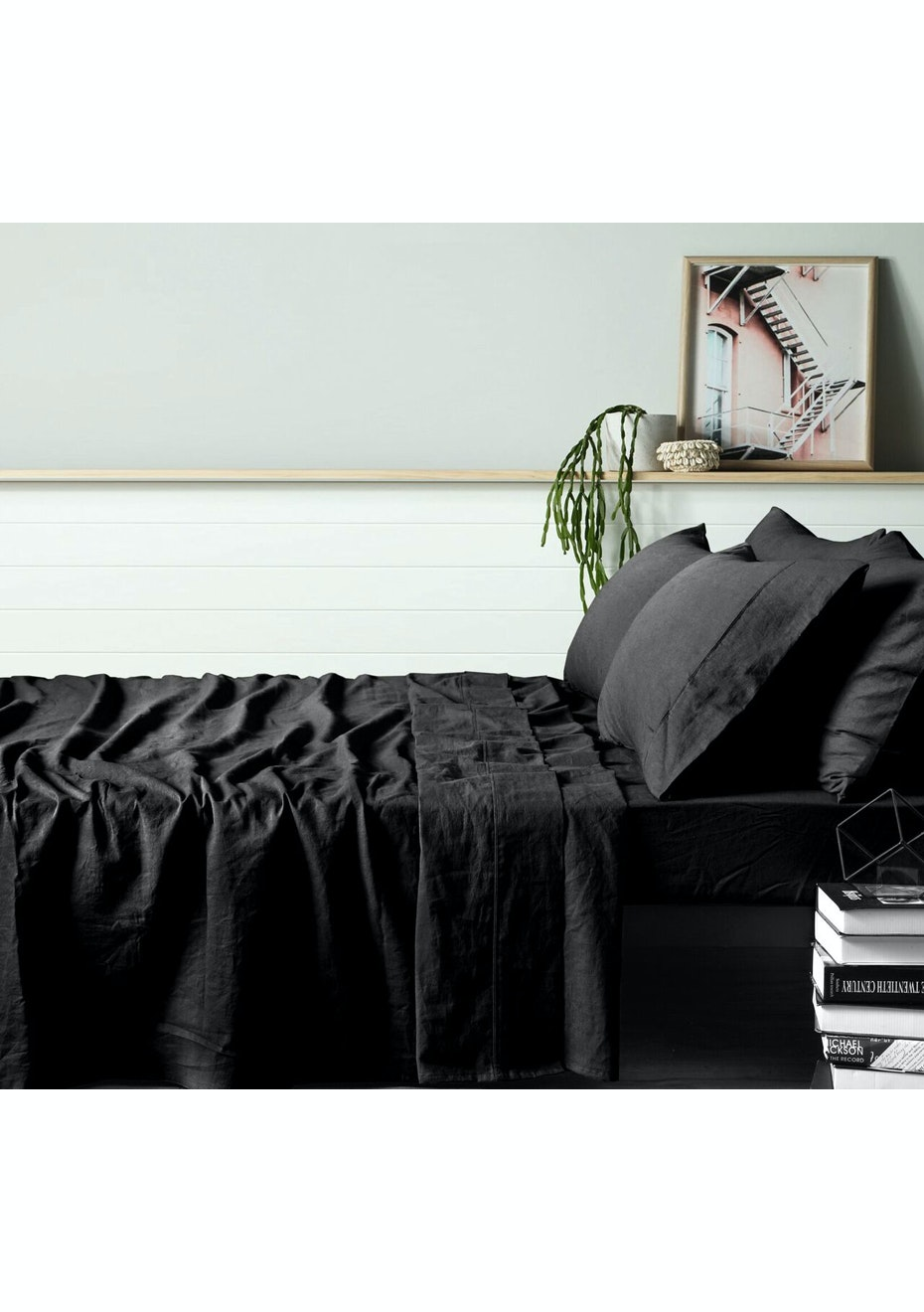 Picture of: Vintage Design 100 Black Linen Sheet Set King Bed Black 100 Linen Vintage Sheets More Onceit