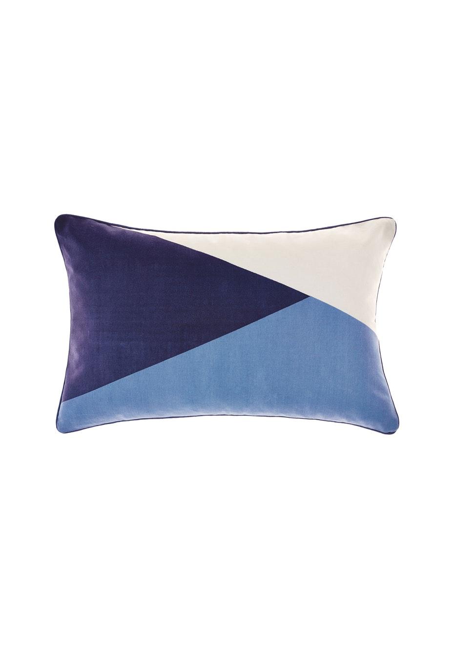 Nu Edition - Van 35X55cm Cushion