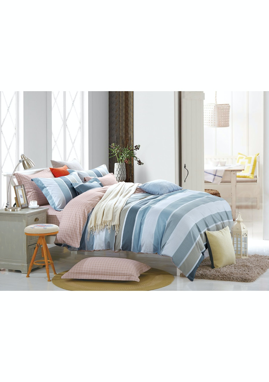 Dreamaker Printed  Egyptian Cotton Quilt Cover Set DB Midnight