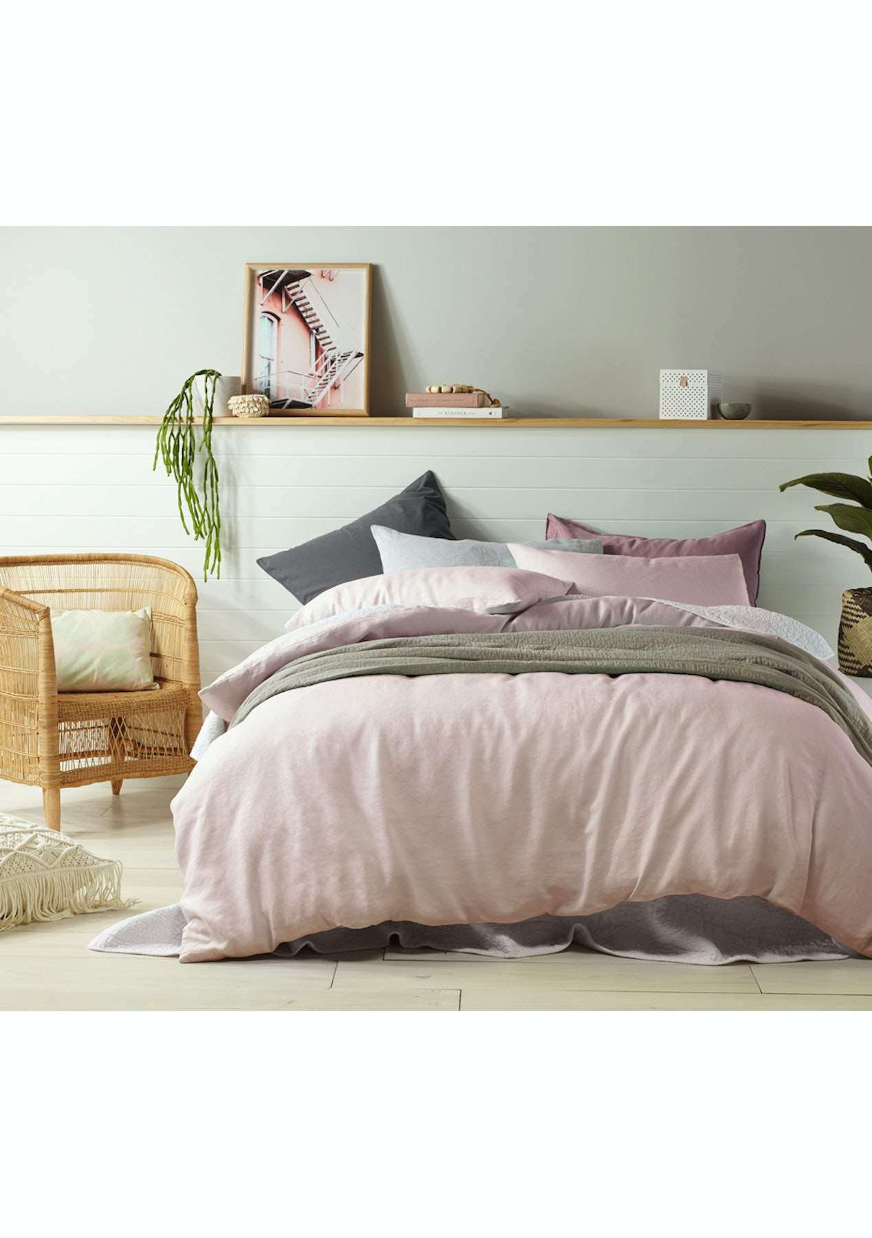 made from linen brand quality this paradise sumptuous with duvet cotton striking detail the thread featuring bed pin has and cover floral pink dunelm a blush bedroom count is dorma collection