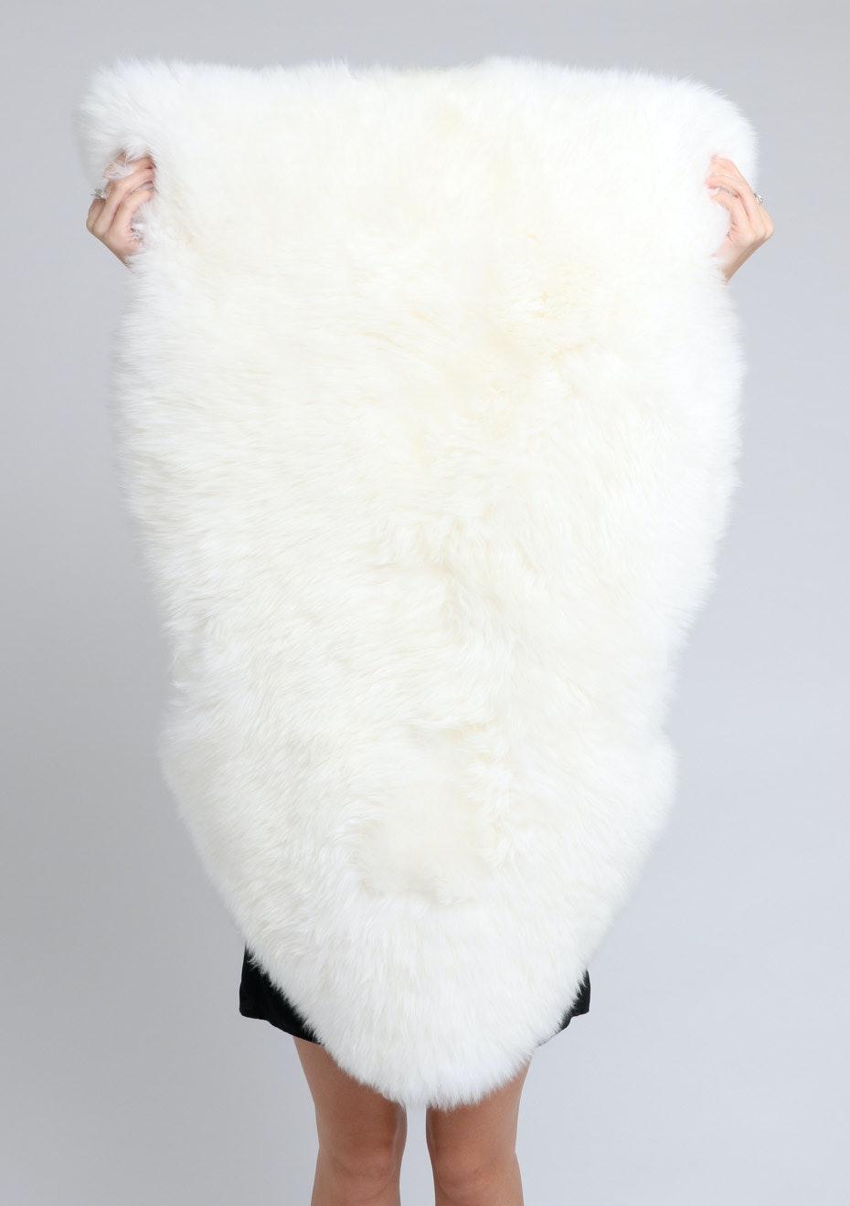 4 Star Creamy White Long Wool Sheepskin Rug