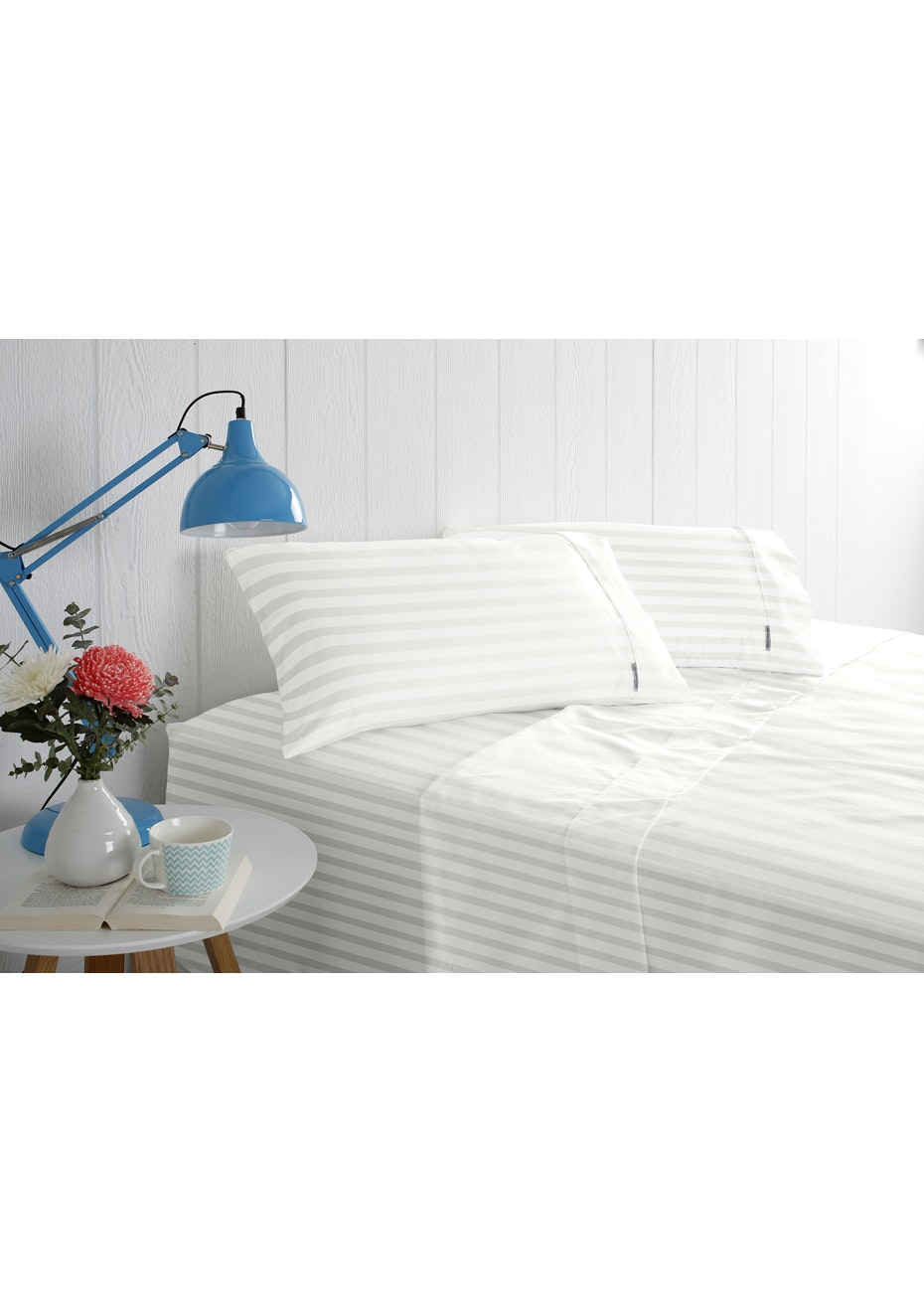 1000 Thread Count - Cotton Rich Solid Sateen -White - Queen Bed