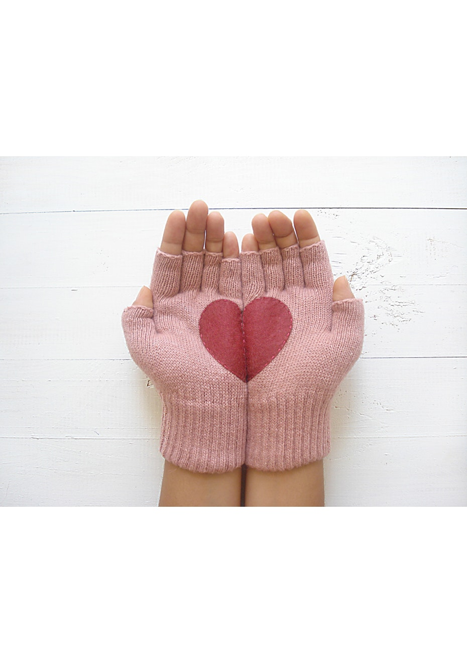 Heart Fingerless Gloves - Soft Pink/Red