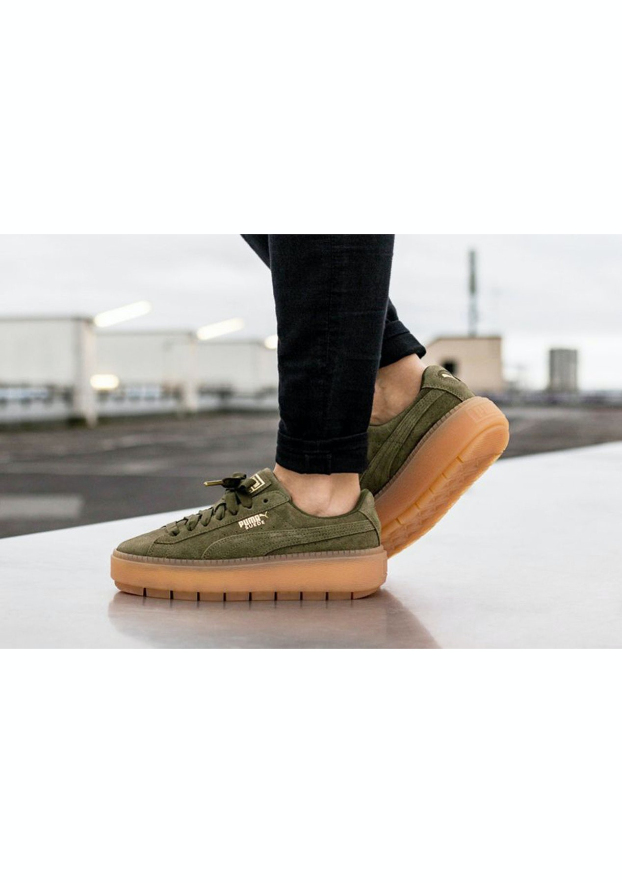 the best attitude 87621 ccdb7 Puma Womens - Suede Platform Trace - Olive