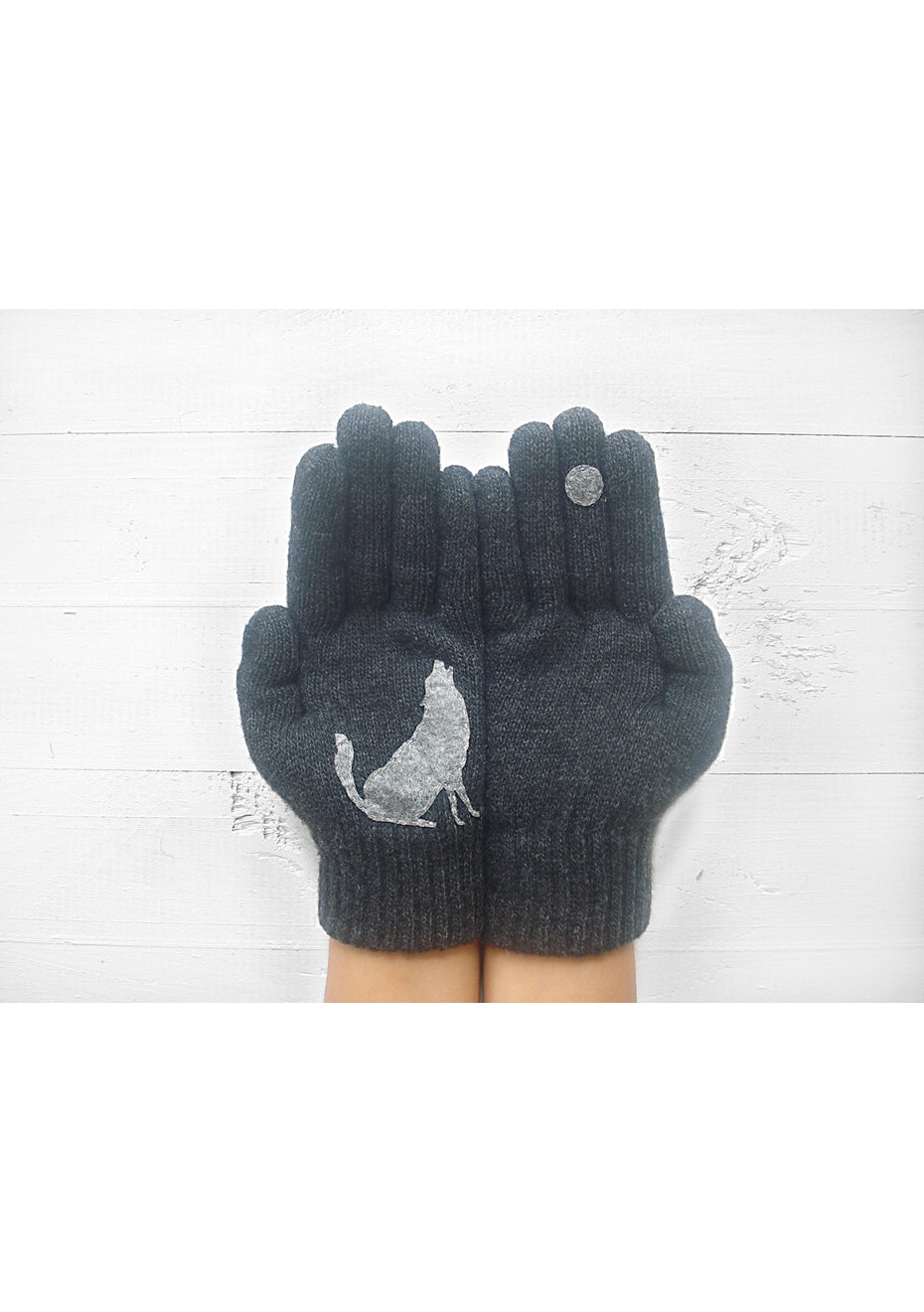 Barking At The Moon Gloves - Charcoal/Grey