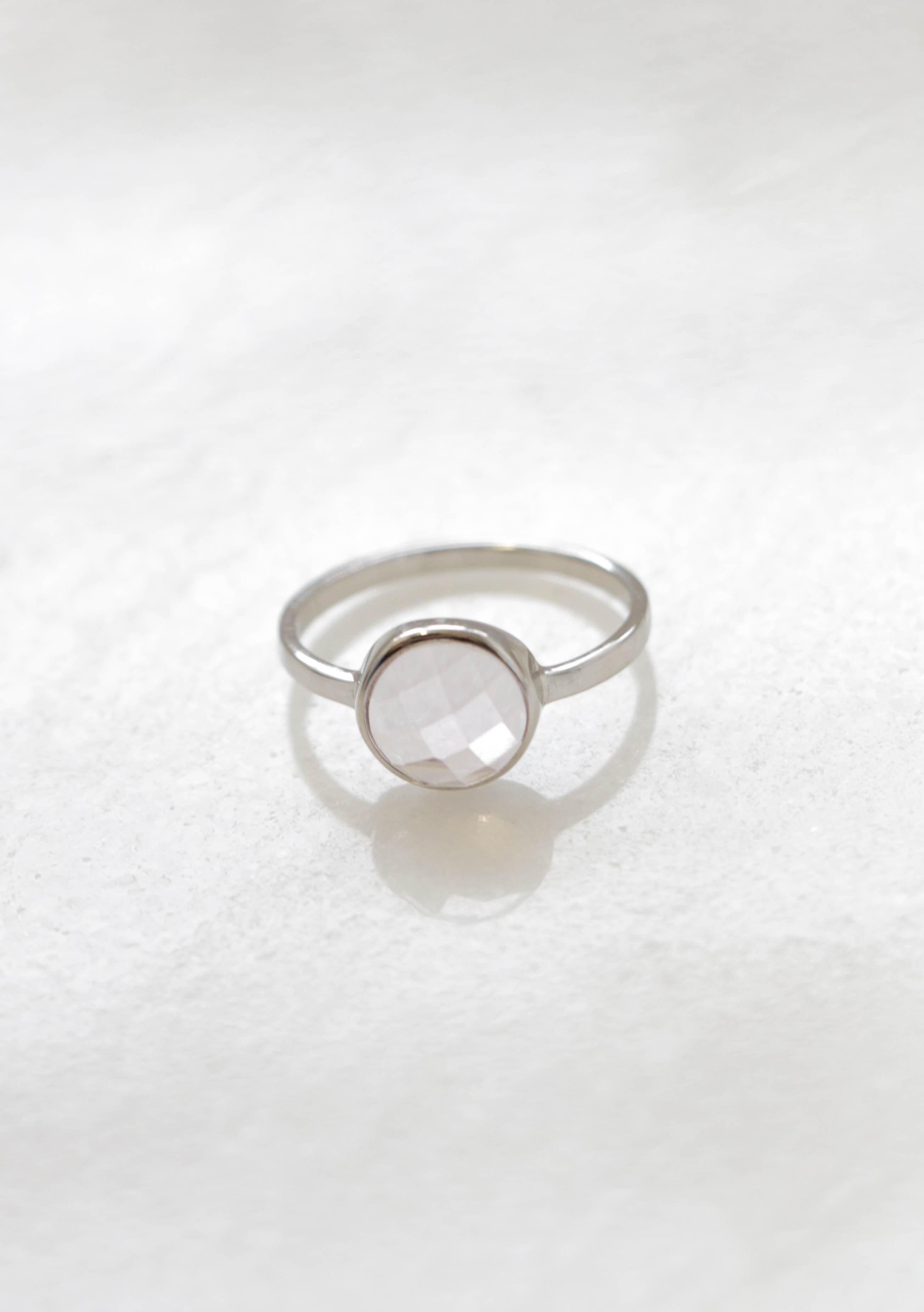 Round rose quartz