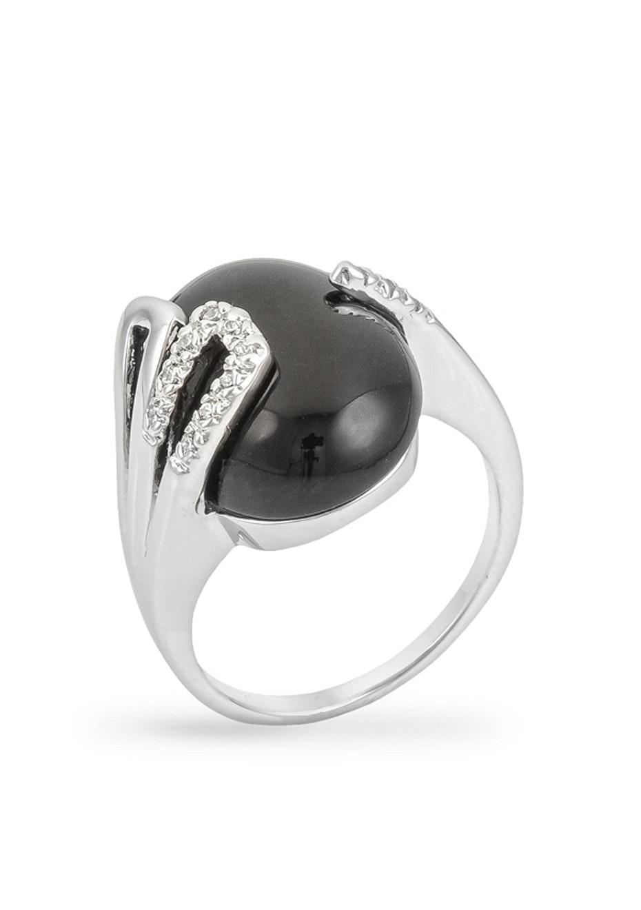 Black Onyx ring w White Gold