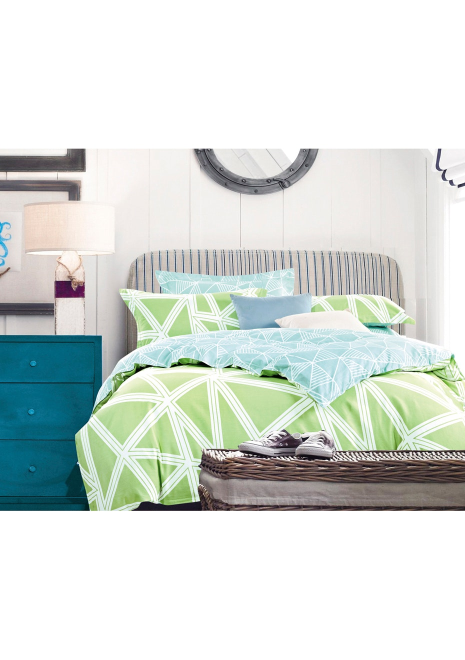 Mollymook Green Quilt Cover Set - Queen Bed - Reversible Design