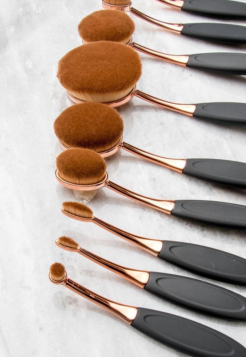 Rose Gold Oval 10pc Brush Set