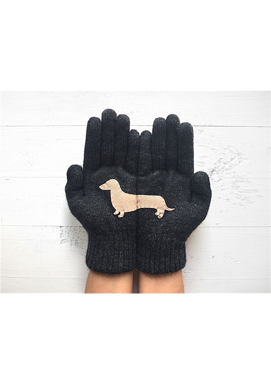Dachshund Gloves - Charcoal/Nude