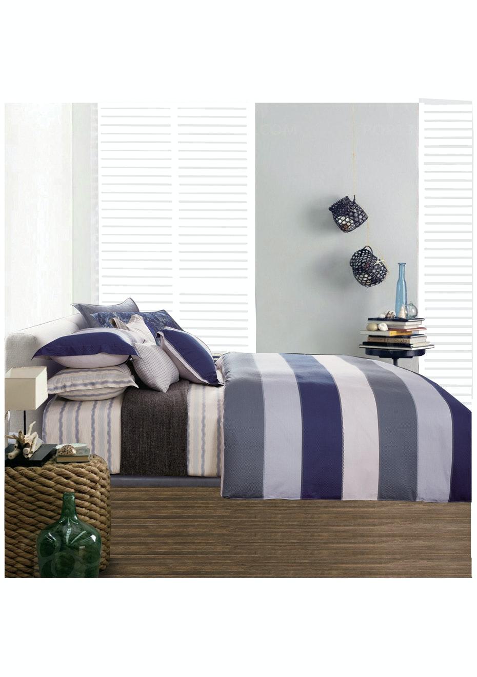 Shore Line Quilt Cover Set - Reversible Design - 100% Cotton Queen Bed