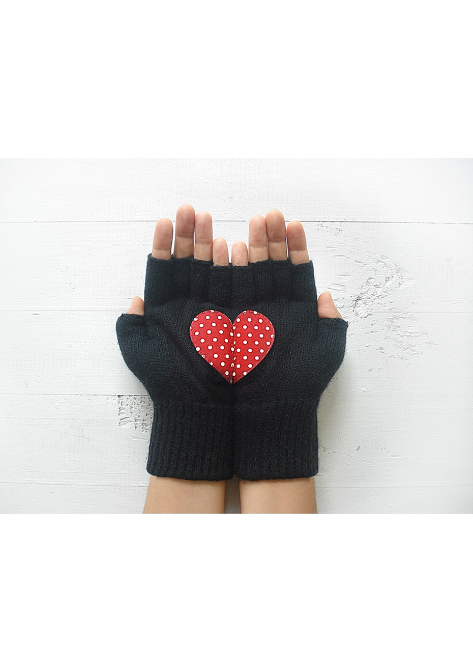 Heart Fingerless Gloves - Black/Red Polka Dot